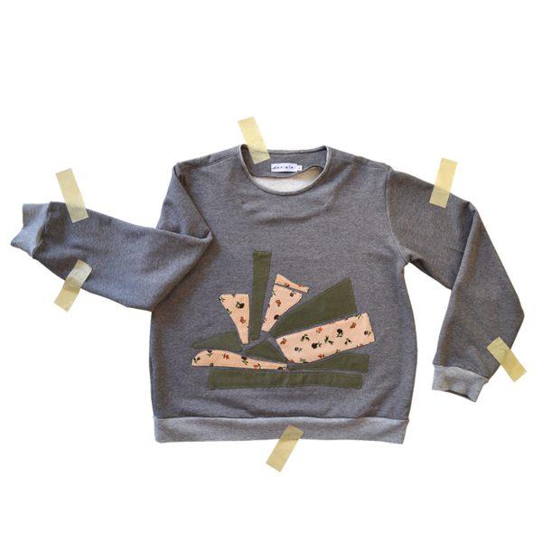 Flowerly sweater